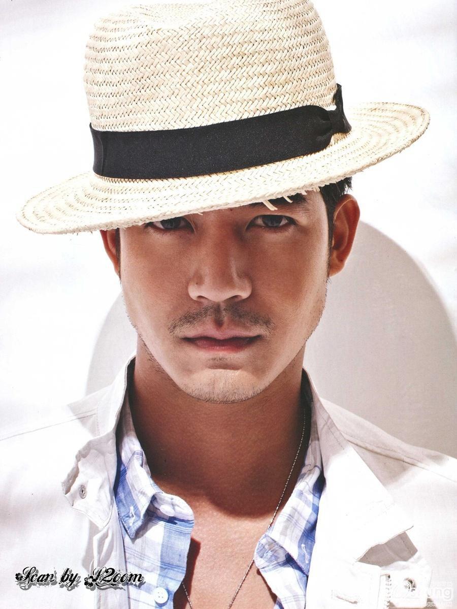 Weir Thai Actor