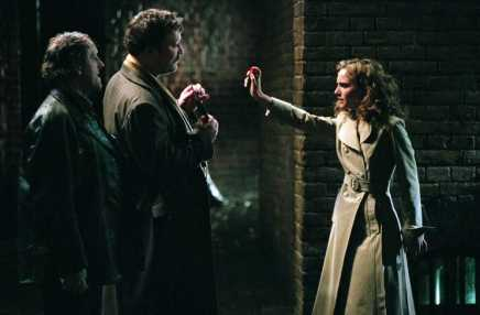 MARK PHOENIX as Willy Fingerman, IAN BURFIELD as Tweed Coat Fingerman and NATALIE PORTMAN as Evey in Warner Bros. PicturesÕ and Virtual StudiosÕ action thriller ÒV for Vendetta,Ó distributed by Warner Bros. Pictures PHOTOGRAPHS TO BE USED SOLELY FOR ADVERTISING, PROMOTION, PUBLICITY OR REVIEWS OF THIS SPECIFIC MOTION PICTURE AND TO REMAIN THE PROPERTY OF THE STUDIO. NOT FOR SALE OR REDISTRIBUTION